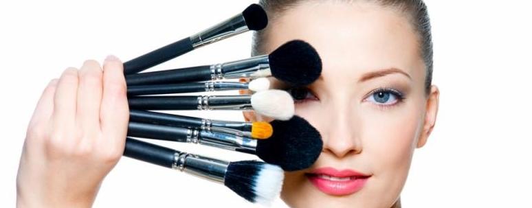 como-elegir-la-base-de-maquillaje-le-maniqui