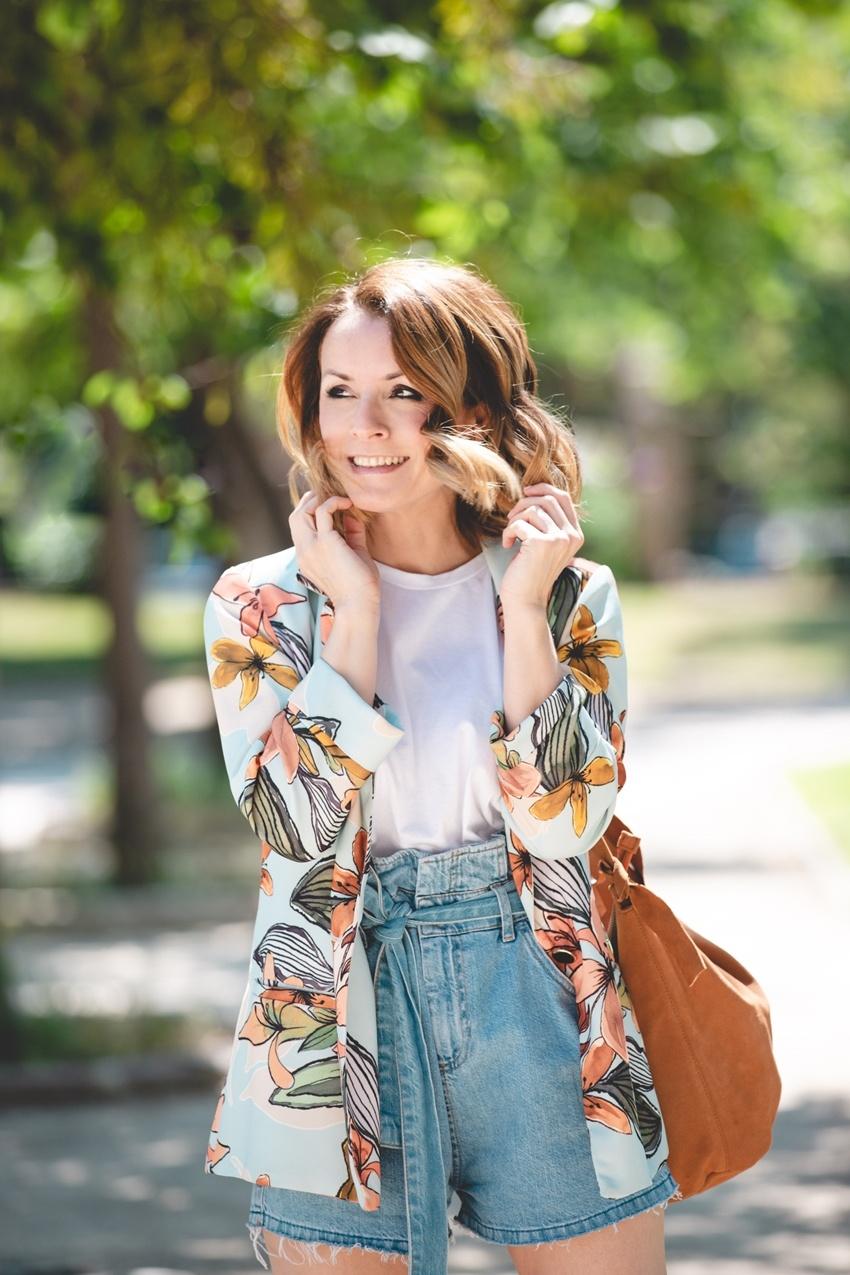 moda-mujer-camiseta-de-tendencia